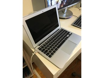 Macbook Air köpt 2015 NYSKICK!