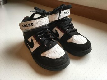 Supersnygga Nike sneakers. Fint skick! Strl 28,5