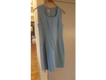 fb5e13fafda1 Jackie Kennedy klänning (349290005) ᐈ Köp på Tradera