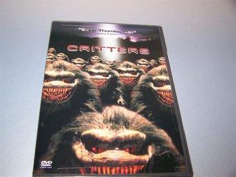 Critters (1986) / Reg. 1 (US) - NY - Dee Wallace, M. Emmet Walsh, skräck rysare - Gnesta - Critters (1986) / Reg. 1 (US) - NY - Dee Wallace, M. Emmet Walsh, skräck rysare - Gnesta