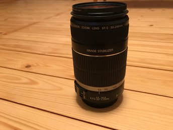 Canon EF-S 55-250/4,0-5,6. IS
