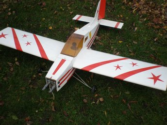 "RC-FLYGPLAN ,   ""ALMOST  READY TO FLY"" ,   SPÄNNVIDD CA  158 cm"