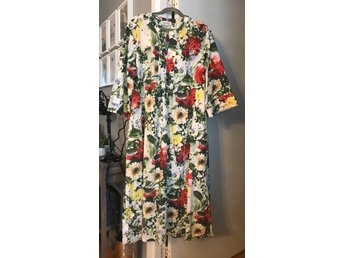 Dea Axelssons Blommig klänning, strl XXL (418876854) ᐈ