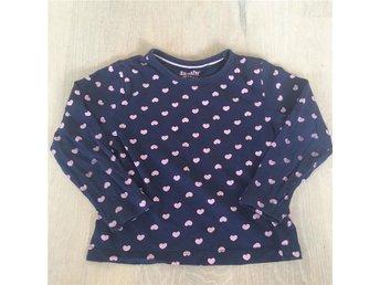 Blå tröja med rosa hjärtan stl 98 - Kungsängen - Blå tröja med rosa hjärtan stl 98 - Kungsängen