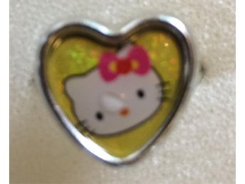 FYND! Hello Kitty Barnring Barn ring