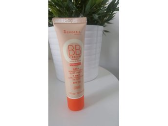 RIMMEL BB CREAM 9 IN 1 LIGHT