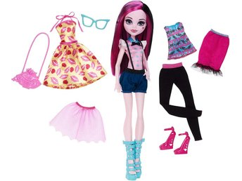 Monster High Draculaura Fashion Doll