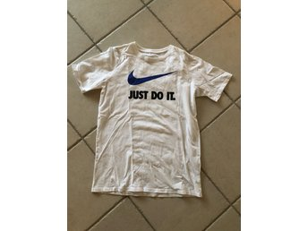 NIKE tshirt just do it 158-170 cm 13-15 år fint skick