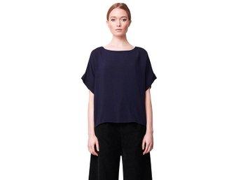 Rodebjer Andi soft blouse strl L.Midnight blue. - Västervik - Rodebjer Andi soft blouse strl L.Midnight blue. - Västervik