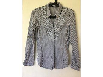 Javascript är inaktiverat. - Sundbyberg - Snygg randig skjorta från Zara i storlek M. - Sundbyberg