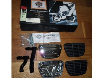 HD Chrome Dyna® Passenger Footboard Kit
