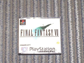 svensksåld final fantasy vII PLATINUM