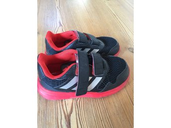 Adidas sneakers, stl 27, fint skick