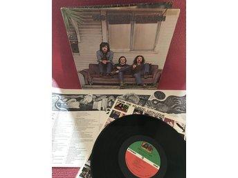 Javascript är inaktiverat. - Nacka - Artist: Crosby, Stills & Nash.Album: Crosby, Stills & Nash.Skivbolag/label: Atlantic.Catalog nr: SD 8229.Released: 1969.Made in: USA.Format: 1 LP.Inner: Atlantic innerpåse och utvikbar insert.Matrix: ST-A-691575-B RG, ST-A-691576-B PRSkick vinyl/ - Nacka
