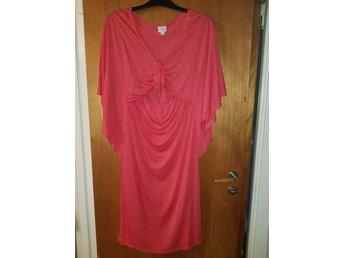 894eded295f5 Så fin klänning mammaklänning gravid amning i härlig färg från BOOB i stl L