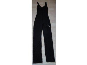 Mycket snygg svart stretch jumpsuit catsuit med strass spänne från Sentimental N - Järfälla - Mycket snygg svart stretch jumpsuit catsuit med strass spänne från Sentimental N - Järfälla