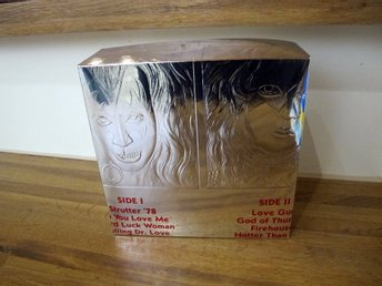 "Kiss - Double Platinum Box for 7"" Singles!"