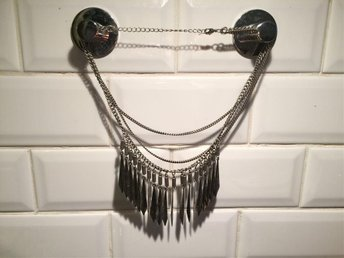 Halsband med spikes