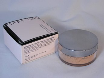 MARY KAY. Mineral powder foundation. IVORY 2.....exp: 2021 year
