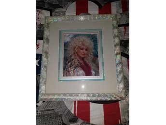 EXCLUSIVE CUSTOM FRAMED TRIPLE MATTED (RAM) DOLLY PARTON AUTOGRAF FOTO