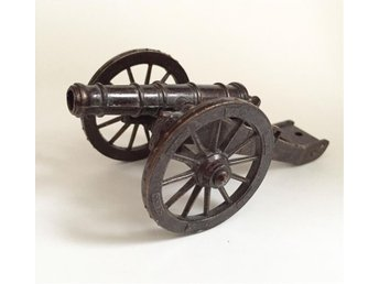 Vintage Vtg Redondo Diecast Military Artillery Cannon With Wheels Toy Spain