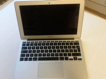 "MacBoor Air 11.1"" (Early 2015), Intel Core i7 2.2GHz, 8 GB DDR3"