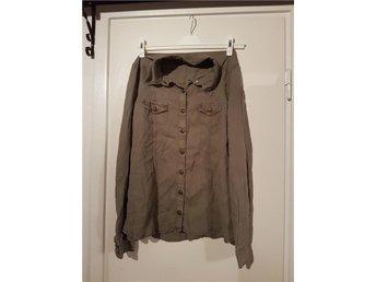 vintage grå jeansskjorta från Madrid, i stl.XL - Hässelby - vintage grå jeansskjorta från Madrid, i stl.XL - Hässelby