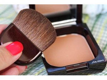 Shiseido Oil-Free Bronzer 12g #2 Medium Naturel