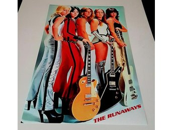 THE RUNAWAYS LIVE IN JAPAN 1977 PHOTO POSTER
