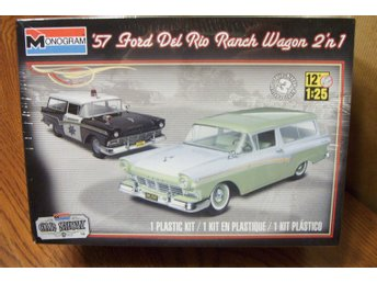 Revell Monogram 1/25 1957 Ford Del Rio Ranch Wagon 2 in 1