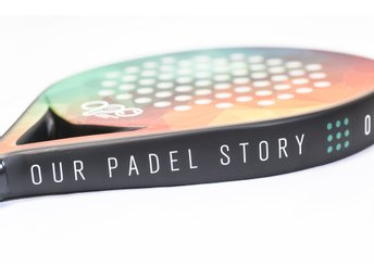 Padelracket Chapter One från Our Padel Story