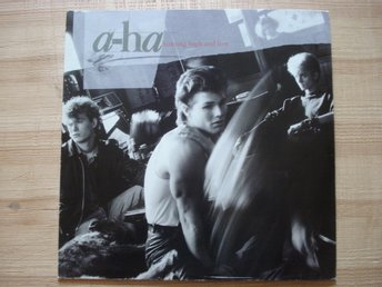 LP A-ha med debutalbumet Hunting high and low