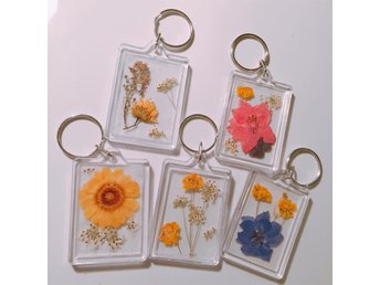 Handmade dried flowers keychain (one keychain only) handgjord blommor nyckelrin