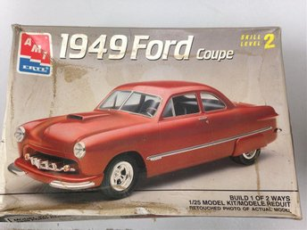 AMT -49 Ford Coupe