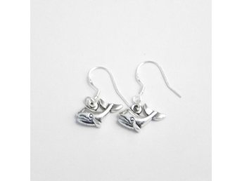 Val örhängen / Whale earrings