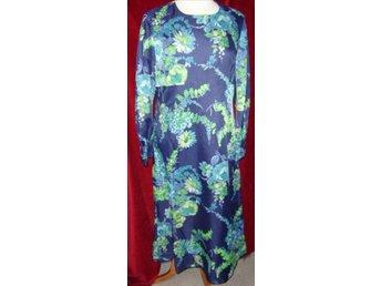 b1609f8fec6e Gudrun Sjöden - NY mörkblå klänning med små blo.. (337293251) ᐈ Köp ...