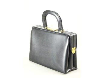 Vintage beautybox sminkväska handväska väska i svart galon med nyckel retro