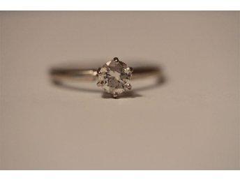 Ring med briljantslipad diamant - 0,52ct - 18k vitguld - Mycket exklusiv ring - Gislaved - Ring med briljantslipad diamant - 0,52ct - 18k vitguld - Mycket exklusiv ring - Gislaved