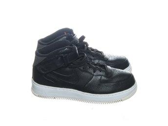 best sneakers 1f4be f7598 Nike, Sneakers, Strl  42,5, Air Force 1 SP, Svart Vit, Skinnimitation
