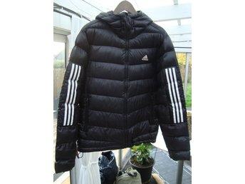 Vinterjacka från Adidas, DAM storlek M