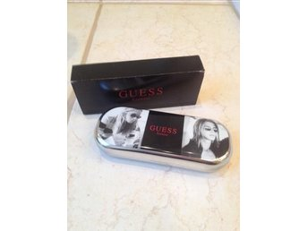 Äkta Guess Glasögonfodral Silver flash!!