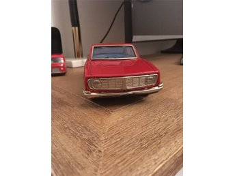 Plåtbil Volvo 144 -Bandai made in Japan