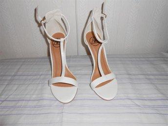 vit sandaler stl 36 - Göteborg - vit sandaler stl 36 - Göteborg
