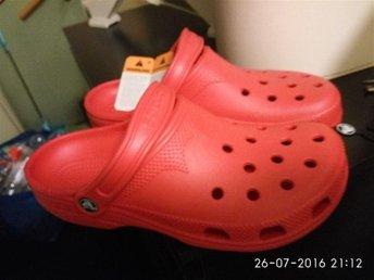 Crocs Stl 41/42. Helt Nya!! - Eskilstuna - Crocs Stl 41/42. Helt Nya!! - Eskilstuna
