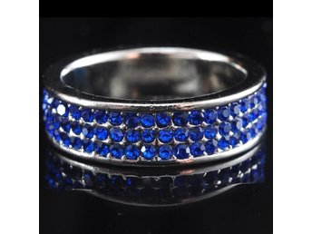 Brightest Star Full Mosaic Round Blue Zircon Silver  Ring size 18