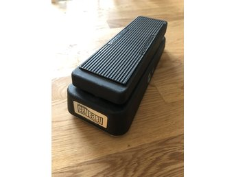 Jim Dunlop Cry Baby wah pedal