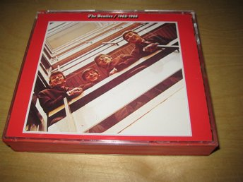 "THE BEATLES - 1962-1966.  DUBBEL-CD I FATBOX!   ""DEN RÖDA"""