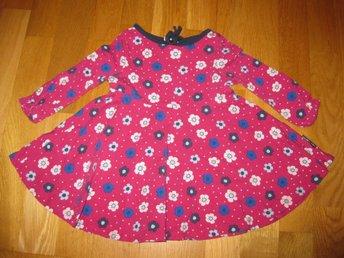 Jättefin blommig snurr klänning fr Pop/Po.p/Polarn stl 74 - örebro - Jättefin blommig snurr klänning fr Pop/Po.p/Polarn stl 74 - örebro