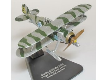 Oxford Swedish/Finnish Gloster Gladiator in 1/72 scale. Nice!