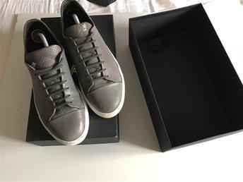 Axel Arigato sneakers i storlek 44 - Sölvesborg - Axel Arigato sneakers i storlek 44 - Sölvesborg